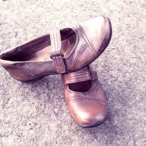 Earth Orgins Leather Brown Shoes Size 6M